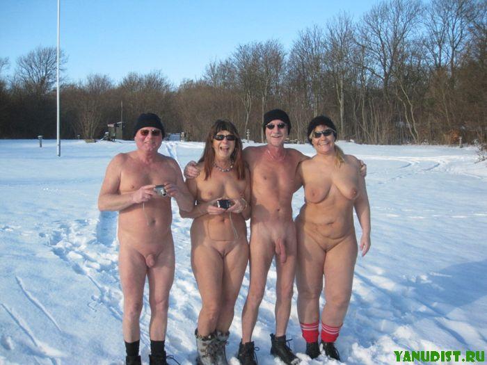 Девушек фото голышом на море порно зрелые